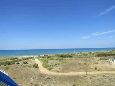 Beau T3 bleu marine avec vue océan et parking
