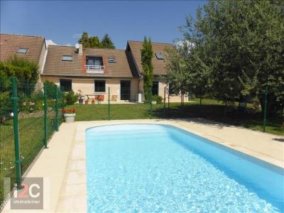 Villa T6 avec piscine