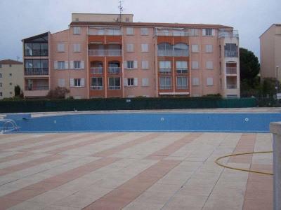 LOCATION DE VACANCES à Fréjus dans une résidence sécurisée avec gardien, piscine et tennis proche du cent ...