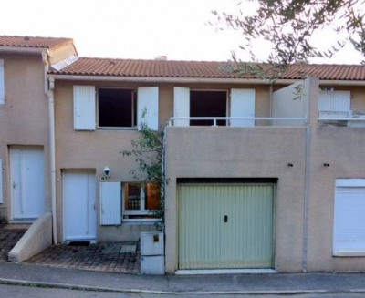 Villeneuve lez Avignon - Maison dans résidence sécurisée P3 bis