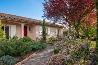Maison de plain-pied 90 m² env sur 1200 m² env de terrain