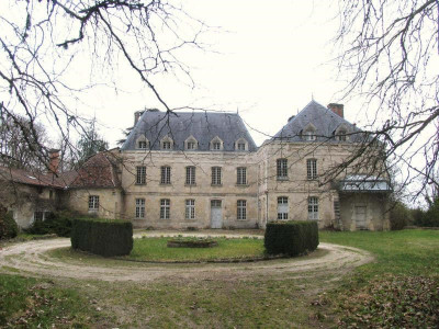Château sur 32 ha