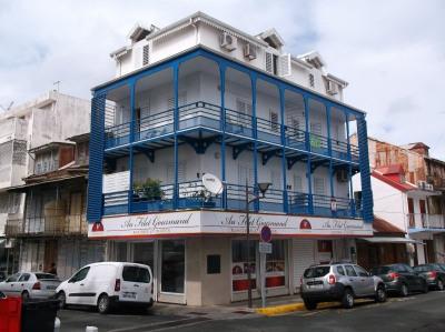 Pointe-à-Pitre - Maison de ville façade classée
