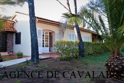 Villa T 4 à Cavalaire avec vue mer & proche du centre ville
