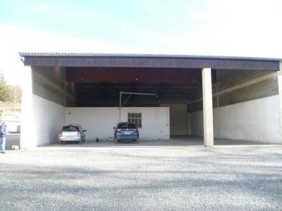 Hangar avec bureaux