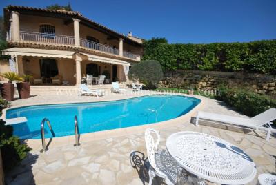 Villa provençale d'env 225m².