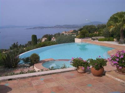 Vacation rental house / villa Les issambres 2 180€ - Picture 2