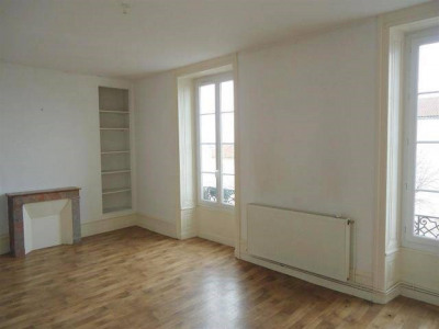 5 rooms Centre Ville de Cognac