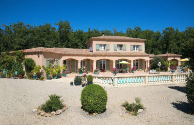Villa traditionnelle avec 4 chambres