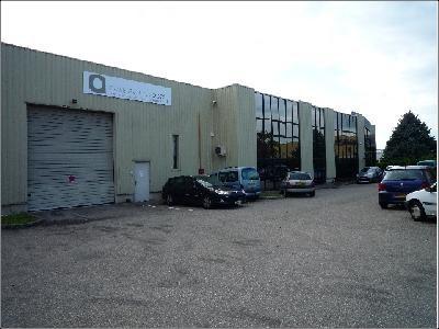 Location Local commercial Genas 0