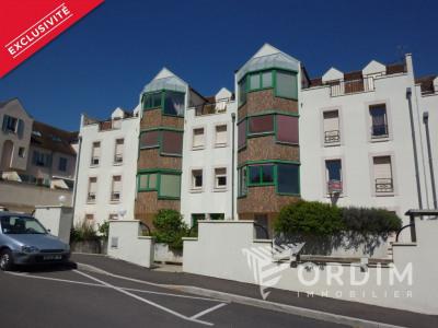 Appartement F2 avec vaste terrasse