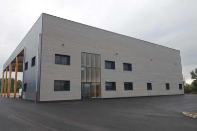 Location Local d'activités / Entrepôt Le Luc