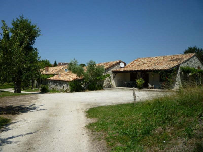 Corps de ferme Montaigu de Quercy