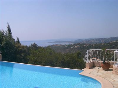 Vacation rental house / villa Les issambres 2 640€ - Picture 2
