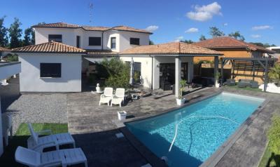 Maison Tosse 6 pièce (s) 210 m²