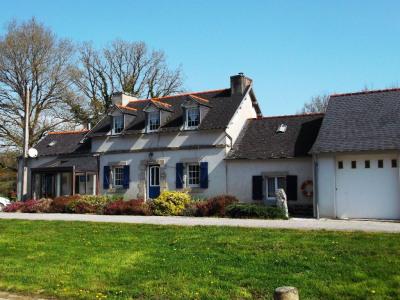 Sale house / villa Landeleau (29530)