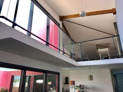 Villa de standing ST GILLES LES BAINS - 6 pièce (s) - 225 m²