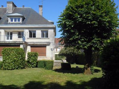 Maison à Grandvilliers 7 pièce (s) 205 m²
