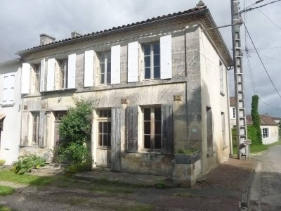 Stone-built property 5 rooms Secteur Cherves Richemont