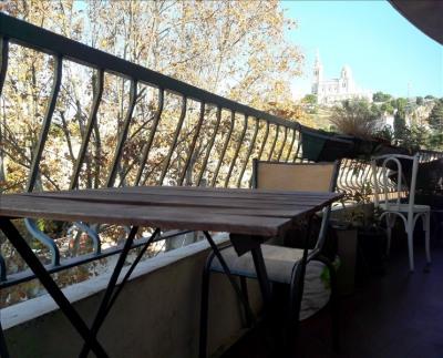 T3 balcon roucas blanc