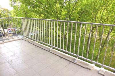 3 pièces - très bon état - grand balcon