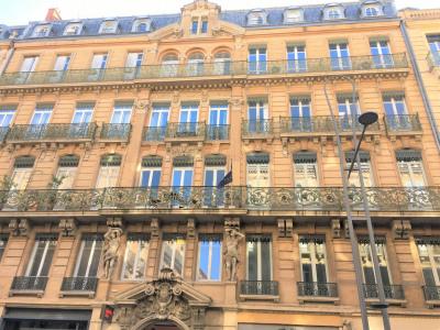 Bureaux prestige Rue Alsace-Lorraine beaux volumes