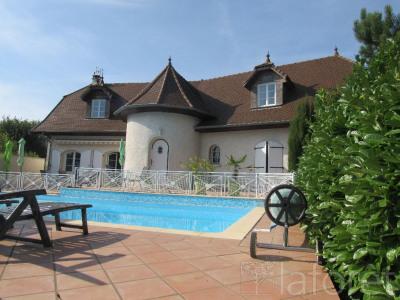 Maison Chezeneuve 10 pièce(s) 200 m2
