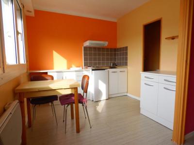 Lorient - Appartement divisé en 3 chambres à louer