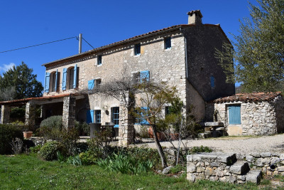 Provencal stone farmhouse with guest house