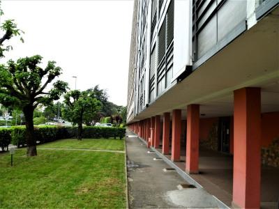 Vente Appartement 64 m² - 3 pièces - BRON (127 000e HI)
