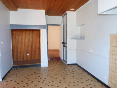 Sale - Country house 3 rooms - 58 m2 - L'Isle Jourdain - Photo