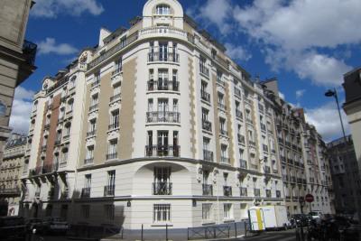 Appartement 3 pièces85 m²en rez-de-chaussée. Cave
