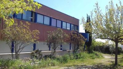 Location Local d'activités / Entrepôt Bessan