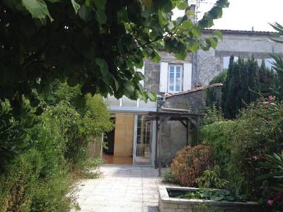 Maison 14 pièce (s) Centre Ville de Cognac