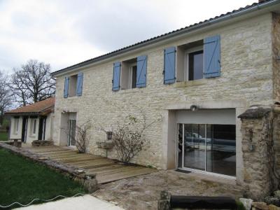 Maison VAUNAC 5 pièces 160 m²