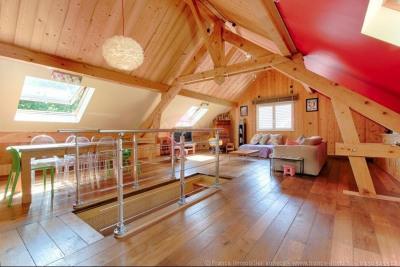 Proche Epagny à vendre belle villa atypique de 160m² SU avec ga