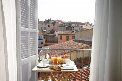Appartement rénové balcon