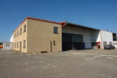 Location Local d'activités / Entrepôt Lespinasse