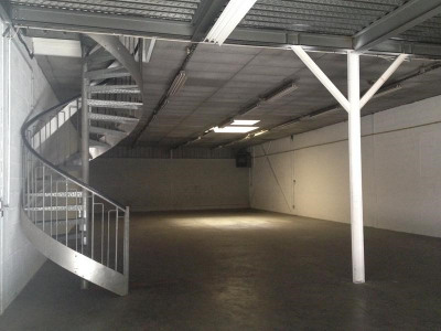 Location Local d'activités / Entrepôt Malaunay