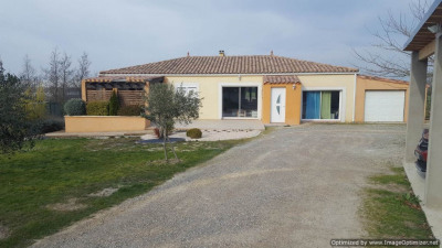 Villa récente T 7 avec terrain et garage