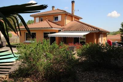 Spacieuse et confortable maison de 150 m² avec piscine, vue
