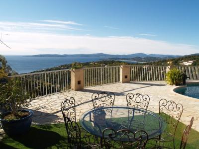 Mas provençal vue panoramique mer