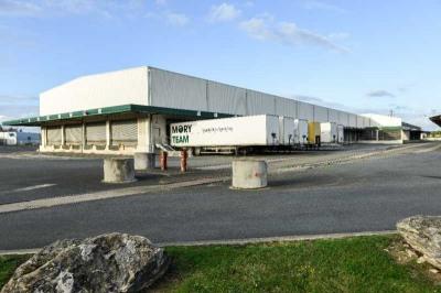 Location Local d'activités / Entrepôt La Riche