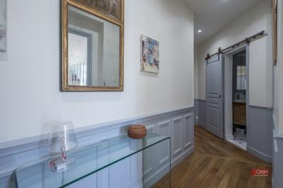 Boulogne - PORTE DE ST CLOUD, nous vous proposons à la vente un bel appartement familial qui va vous sédu ...