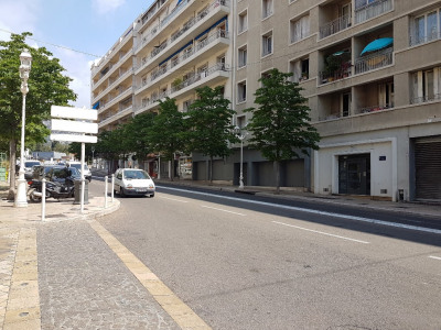 Local commercial- Bureau - TOULON - 132 m²