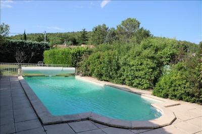 Maison plain pied avec piscine et pool house