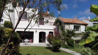 Maison - 7 pièce (s) 190 m² - quartier La GENETTE -