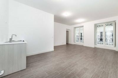 Vente - Appartement 2 pièces - 51 m2 - Marseille 2ème - Photo