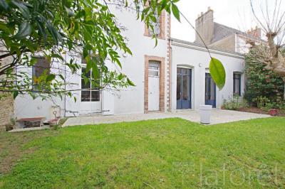 Maison Cholet 7 pièce(s) 151 m2