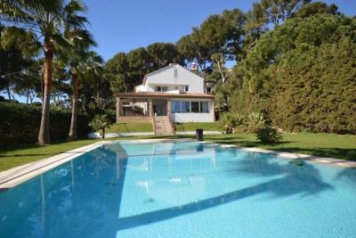 Vente Maison / Villa 5 pièces Antibes-(180 m2)-4 699 000 ?